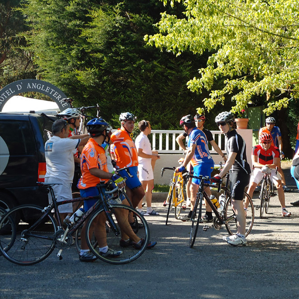 pyrenees-cycling-hotel-accueil-groupe-cyclo