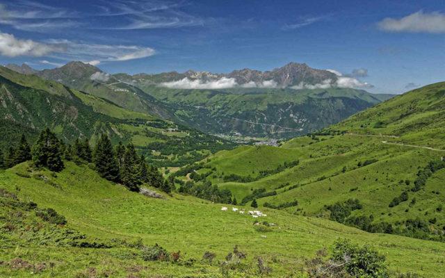 Le Col d'Azet dans les hautes Pyrénées | Séjour vélo à Arreau